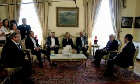 Παυλόπουλος σε πολιτικούς αρχηγούς: Παρά τις όποιες διαφορές σας, σταθήκατε στο ύψος των περιστάσεων