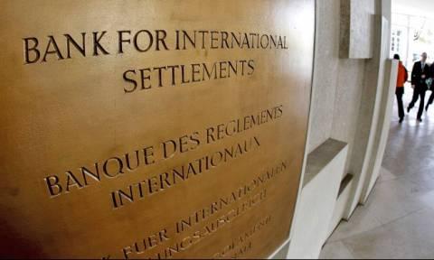 BIS: Mείωση 22 δισ. δολ. στα δάνεια διεθνών τραπεζών στην Ελλάδα