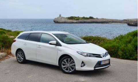 Toyota: Ανάκληση 730 Auris HV, λόγω προβλήματος στο λογισμικό