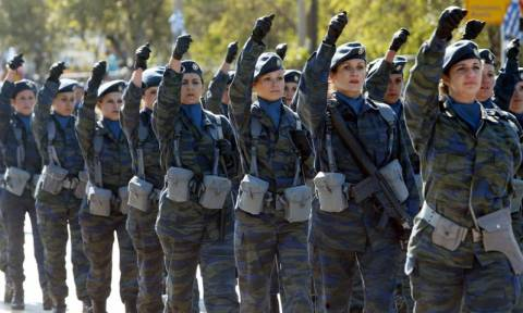Στρατιωτική θητεία και για τις γυναίκες; Τι προβλέπει το σχέδιο του υπουργείου Εθνικής Άμυνας