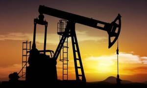 Στο 5,4% οι εβδομαδιαίες απώλειες για το πετρέλαιο