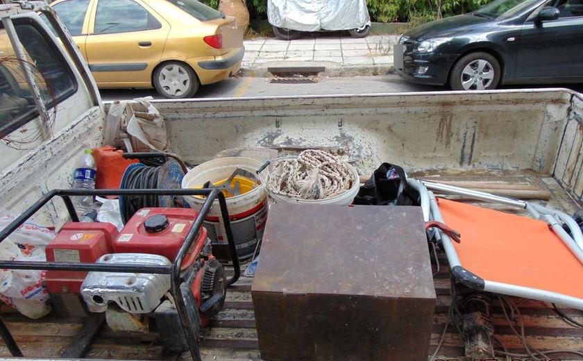 Θεσσαλονίκη: Είδαν …όνειρο και έσκαψαν σε αρχαιολογικό χώρο να βρουν λίρες και κοσμήματα!(pics)
