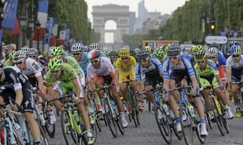 Γαλλία: Αστυνομικά πυρά εναντίον αυτοκινήτου στον ποδηλατικό γύρο στο Παρίσι