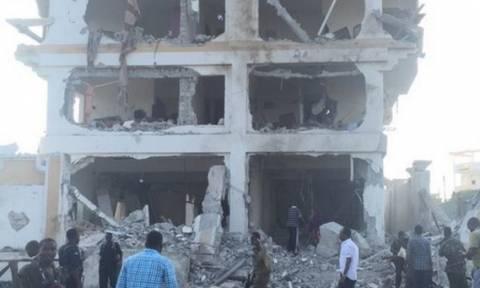 Σομαλία: Η αλ Σαμπάαμπ πίσω από την επίθεση στο ξενοδοχείο-13 οι νεκροί