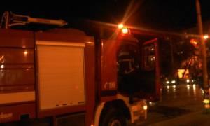 Αττική: Στις φλόγες αντιπροσωπεία αυτοκινήτων στη Γλυφάδα
