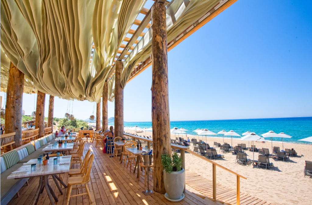 Απολαύστε ένα ακόμη ονειρεμένος καλοκαίρι στο The Romanos και στο Westin Resort Costa Navarino