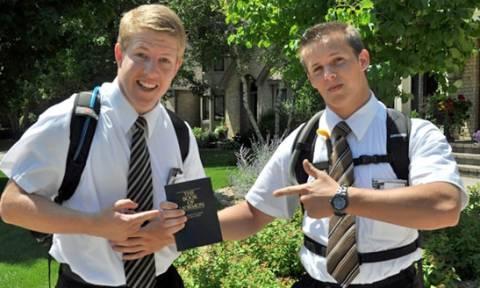 Μάρτυρες του Ιεχωβά: «Έθαψαν» 1.000 περιπτώσεις σεξουαλικής κακοποίησης παιδιών