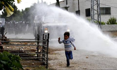 Ισραήλ: Ταραχές μεταξύ εποίκων και της ισραηλινής αστυνομίας στη Δυτική Όχθη