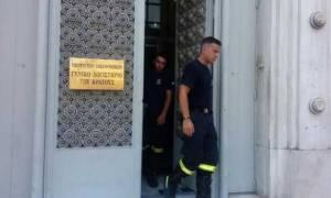 Μέλη του κλιμακίου της τρόικας εγκλωβίστηκαν σε ασανσέρ του ΓΛΚ