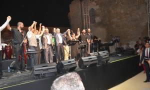 Αναστασιάδης και Ακιντζί κρατήθηκαν χέρι-χέρι και αποθεώθηκαν (photos)
