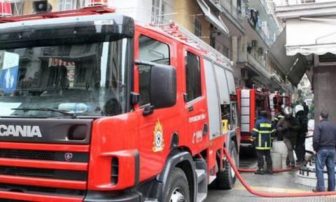 Κατασβέστηκε η πυρκαγιά στον Πειραιά – Δεν εντοπίστηκε εγκλωβισμένος