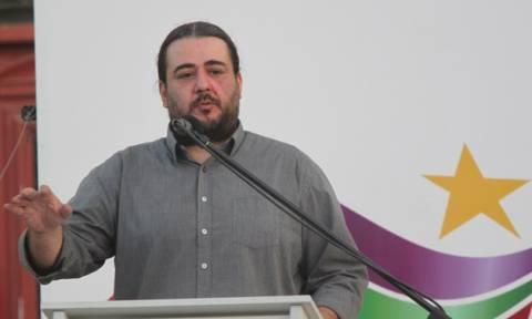 Βουλευτές της ΝΔ ρωτούν αν έχει υπηρετήσει στρατιωτική θητεία ο Τάσος Κορωνάκης