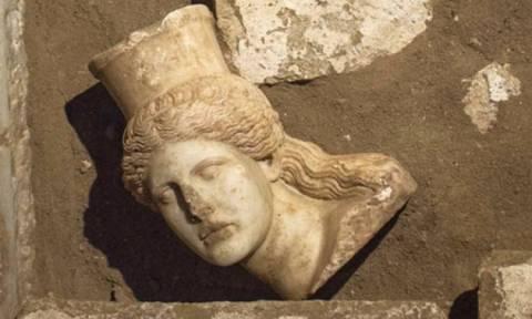 Αμφίπολη: Ρημάζει το μνημείο λόγω έλλειψης χρημάτων