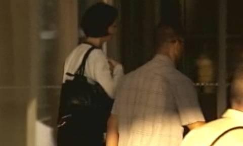 Η άφιξη της Βελκουλέσκου - «Κρυβόταν» σε ξενοδοχείο στο Καβούρι