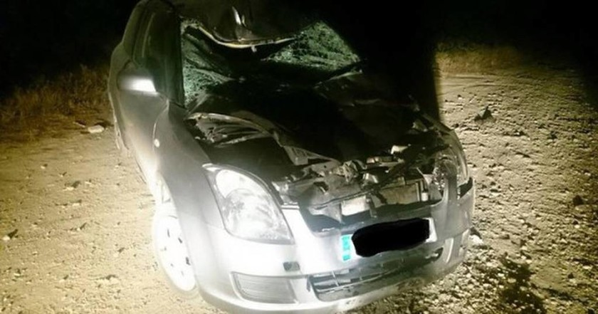 Ρόδος: Δείτε πώς έγινε το αμάξι μετά από μετωπική σύγκρουση με… αγελάδα! (Photo)