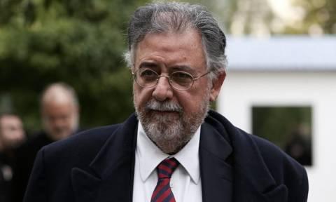 Πανούσης: Ο Βαρουφάκης διέπραξε το αδίκημα της εσχάτης προδοσίας