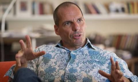 Βαρουφάκης στην El Pais: Εγώ θα το πατούσα το κουμπί του Plan B