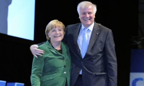 Ζεεχόφερ: Εφικτή η απόλυτη πλειοψηφία CDU/CSU υπό τη Μέρκελ στις επόμενες εκλογές