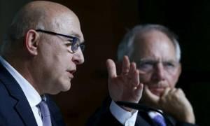 Σαπέν κατά Σόιμπλε: «Λάθος το σχέδιο περί προσωρινού Grexit»
