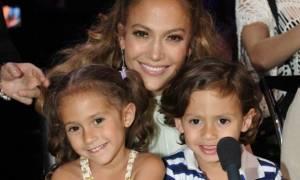 Τζένιφερ Λόπεζ: Η πιο γλυκιά selfie με τα παιδιά της! (εικόνα)