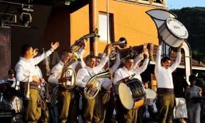 Σερβία: Φεστιβάλ χάλκινων στην πόλη Γκούτσα