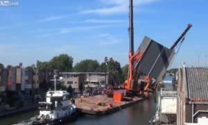 Ολλανδία: Γερανοί υποχωρούν καταπλακώνοντας σπίτια – Δεκάδες τραυματίες (videos)