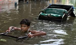 Εκατοντάδες νεκροί σε Ινδία, Πακιστάν, Μιανμάρ από τους μουσώνες