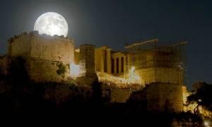 Σε ρυθμούς τανγκό η αυγουστιάτικη πανσέληνος στο Μουσείο Ακρόπολης