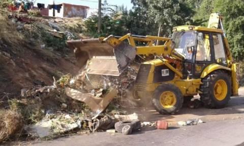 Περιφέρεια Αττικής: Καθαρισμός σε καταυλισμό Ρομά στο Νομισματοκοπείο