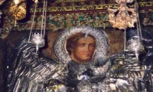 Και τότε… ω Θεέ μου! Ο Αρχάγγελος Μιχαήλ, ο Ταξιάρχης, στεκόταν πλάι μου