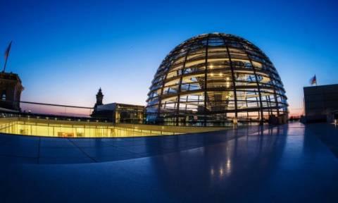 Γερμανία: «Σκοτείνιασε» η Ράιχσταγκ λόγω καύσωνα