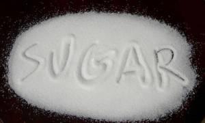 Ζάχαρη: Οι καταστροφικές συνέπειές της στον οργανισμό μας μέσα σε 3 λεπτά (video)