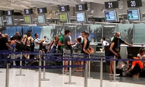 Αεροδρόμια Πάφου-Λάρνακας: 500.000 τουρίστες σε ένα 15ήμερο