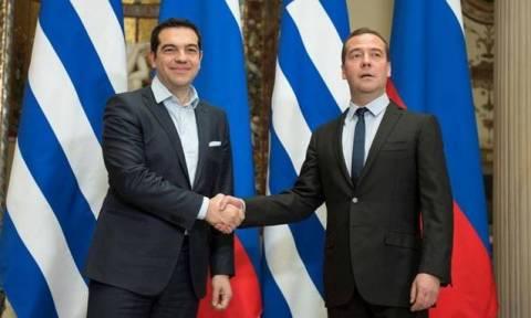 Η ενεργειακή συνεργασία στο επίκεντρο στη συνάντηση Τσίπρα - Μεντβέντεφ
