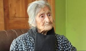 Κουβαλούσε για 60 χρόνια στην κοιλιά της το νεκρό μωρό της (video)