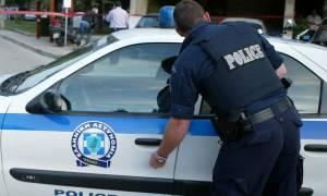 Πάτρα: Μετέφερε παράνομα και μετανάστη και λαθραία τσιγάρα