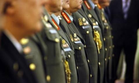 Αλλαγές στις άδειες και μεταθέσεις των στρατιωτικών