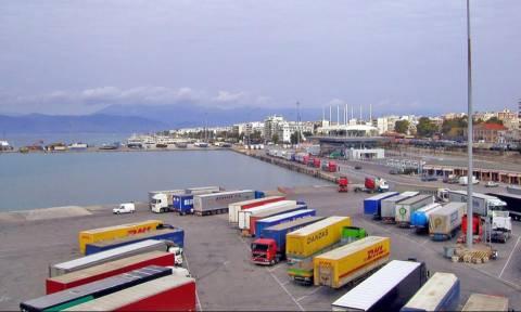 Λιμάνι Πάτρας: Συνελήφθη οδηγός φορτηγού με εκατοντάδες κούτες με λαθραία τσιγάρα