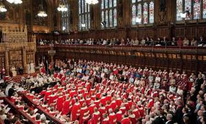 Πρώην μέλος της Βουλής των Λόρδων κατηγορείται για σεξουαλική κακοποίηση ανηλίκων