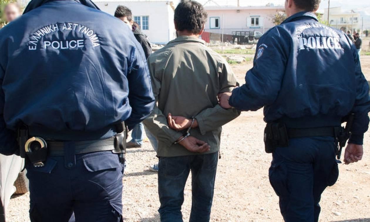 Κως: Συνελήφθησαν Πακιστανοί που προμήθευαν πλαστά πιστοποιητικά παραμονής