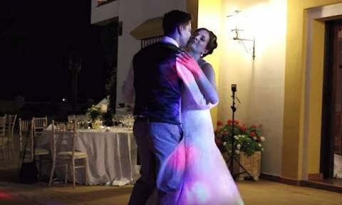 Είναι αυτός ο καλύτερος χορός νεόνυμφων όλων των εποχών; (video)