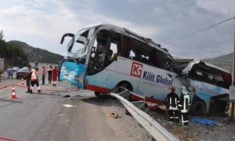 Τραγωδία στην Τουρκία: Νεκροί σε τροχαίο εννέα Σύροι πρόσφυγες