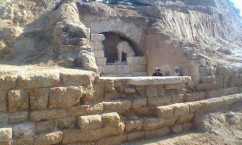 Άνθρακες ο… θησαυρός: Το πυροτέχνημα της Αμφίπολης και το φιάσκο Σαμαρά