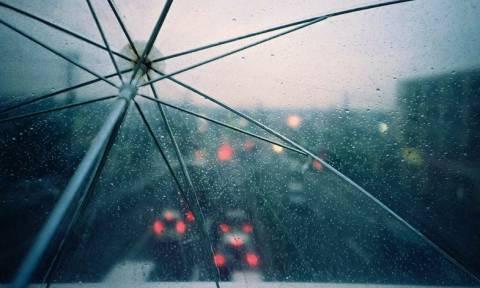 Καιρός: Βροχερό το σκηνικό και τη Δευτέρα – Στο «κόκκινο» ο υδράργυρος