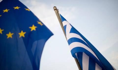 Bloomberg: Οι Έλληνες είναι οι πιο σκληρά εργαζόμενοι στην Ευρώπη