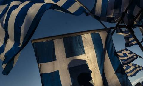 UBS: Ο κίνδυνος του Grexit δεν έχει εκλείψει