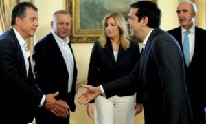 Τι είπε ο Τσίπρας στον Θεοδωράκη για συμφωνία και πρόωρες εκλογές – Ενημέρωση των πολιτικών αρχηγών