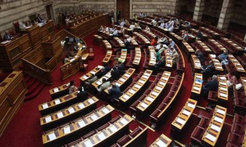 Draft law on Greece-institutions agreement tabled in Parliament, to come under fast-track procedures