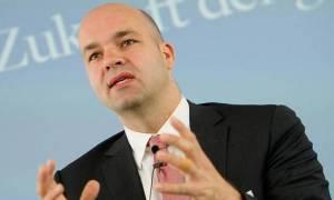Φράτσερ: Eλάφρυνση του ελληνικού χρέους εντός του τρέχοντος έτους