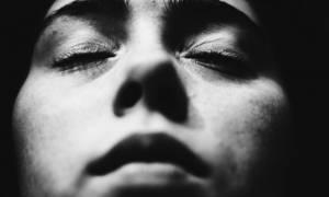 Τα βλέφαρά μας κουνιούνται στον ύπνο όταν αλλάζει το σκηνικό στο όνειρο